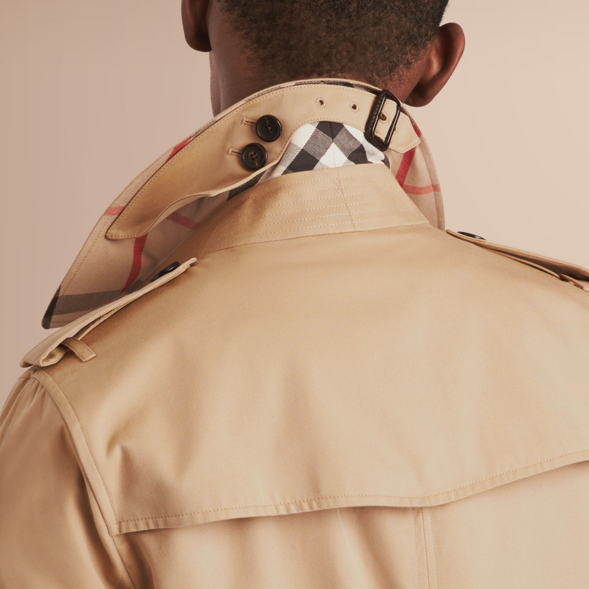 The Sandringham – Short Heritage Trench Coat in Honey - Men | Burberry Australia - gallery image 5