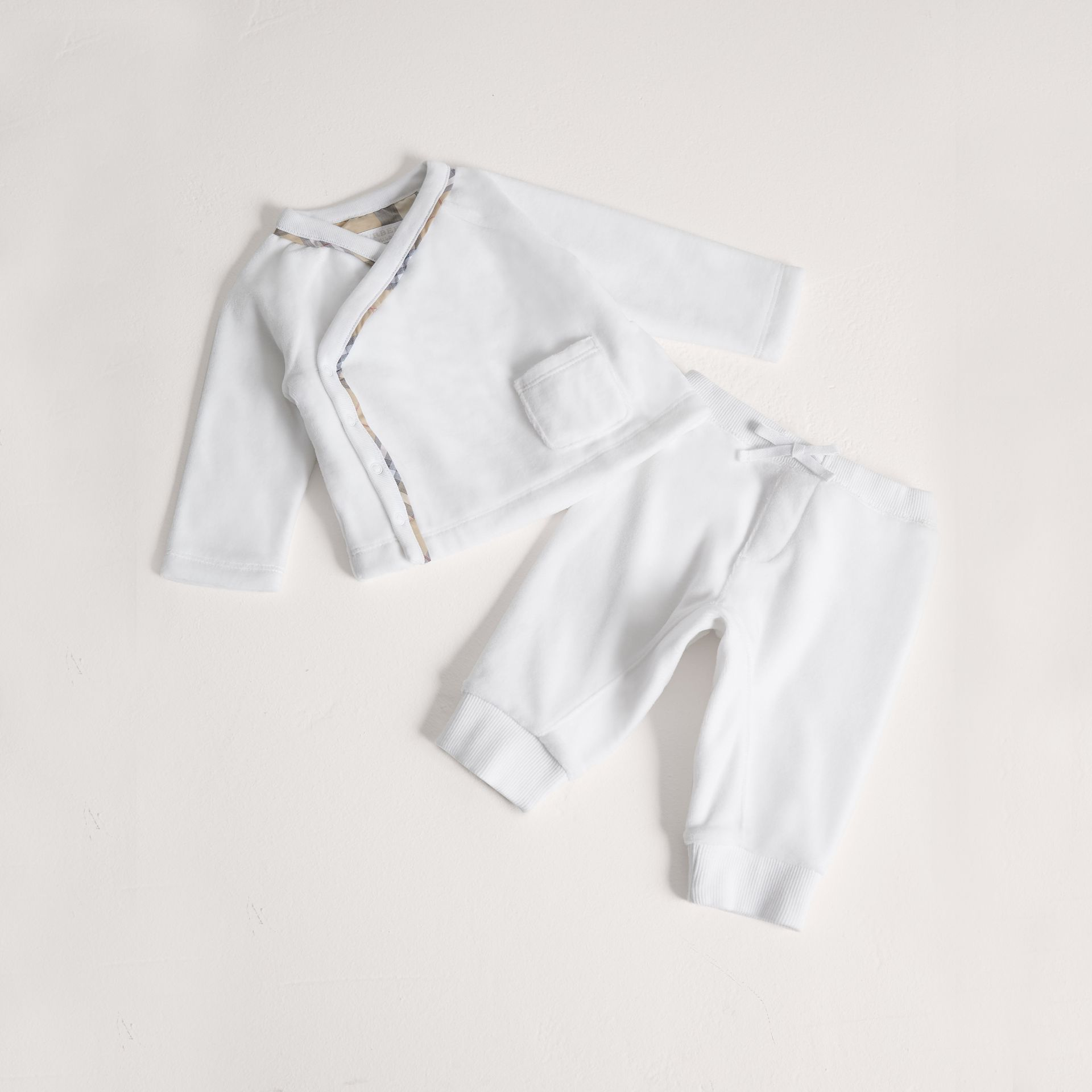 Stretch Jersey Two-piece Baby Gift Set in White | Burberry Australia - gallery image 0