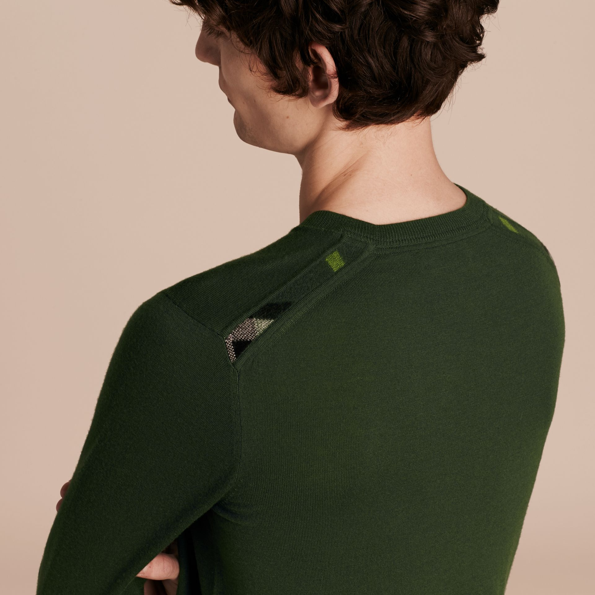 Olive green Lightweight Crew Neck Cashmere Sweater with Check Trim Olive Green - gallery image 5