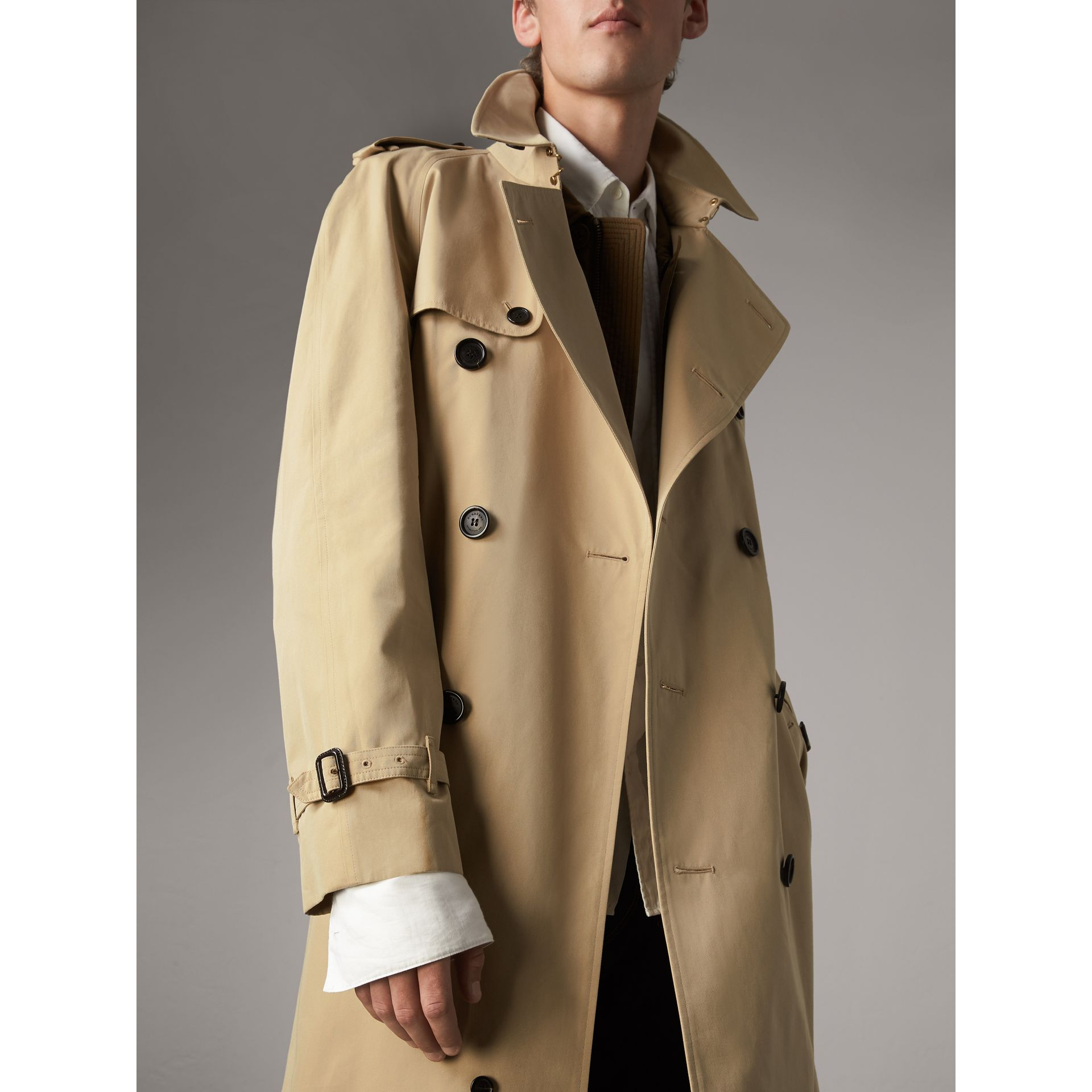 The Westminster – Extra-long Trench Coat in Honey - Men | Burberry Hong Kong - gallery image 6
