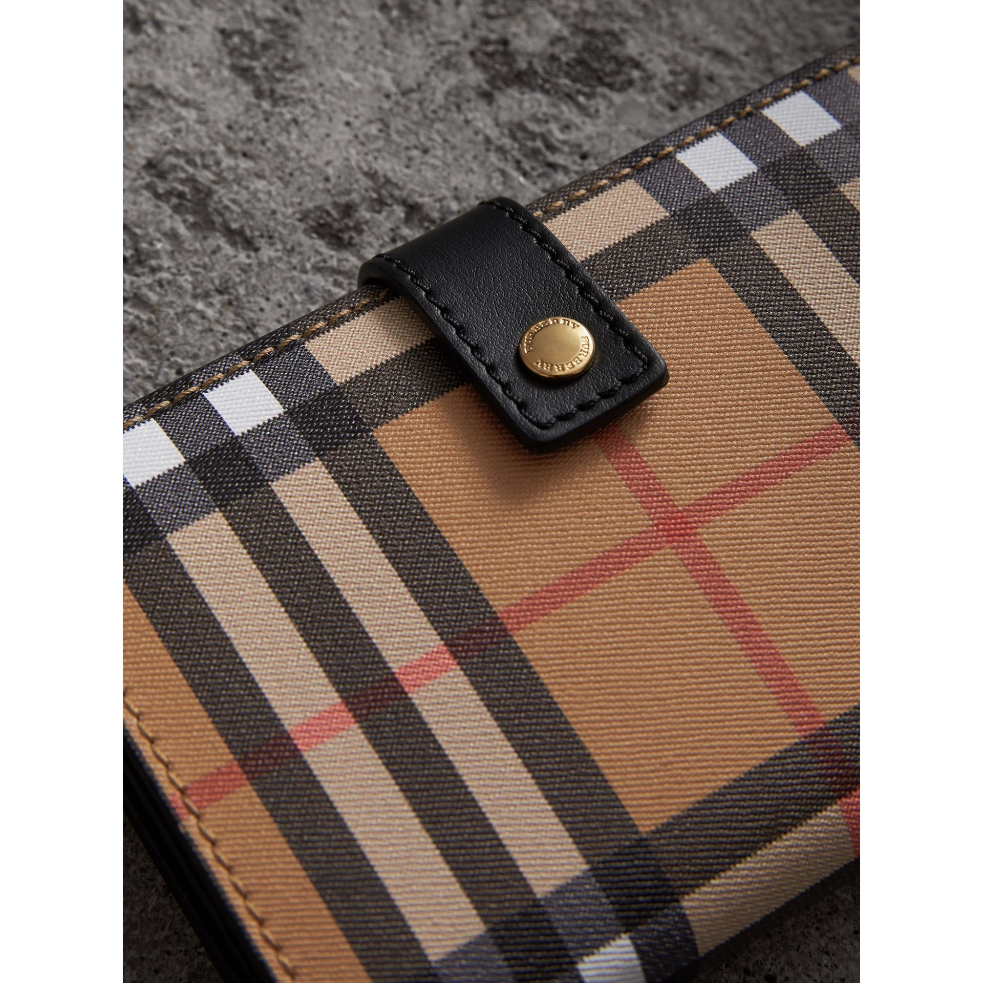 Vintage Check and Leather Folding Wallet in Black - Women | Burberry Hong Kong - gallery image 1