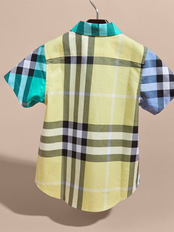 Short-sleeved Contrast Check Cotton Shirt in Cyan Green | Burberry - cell image 3