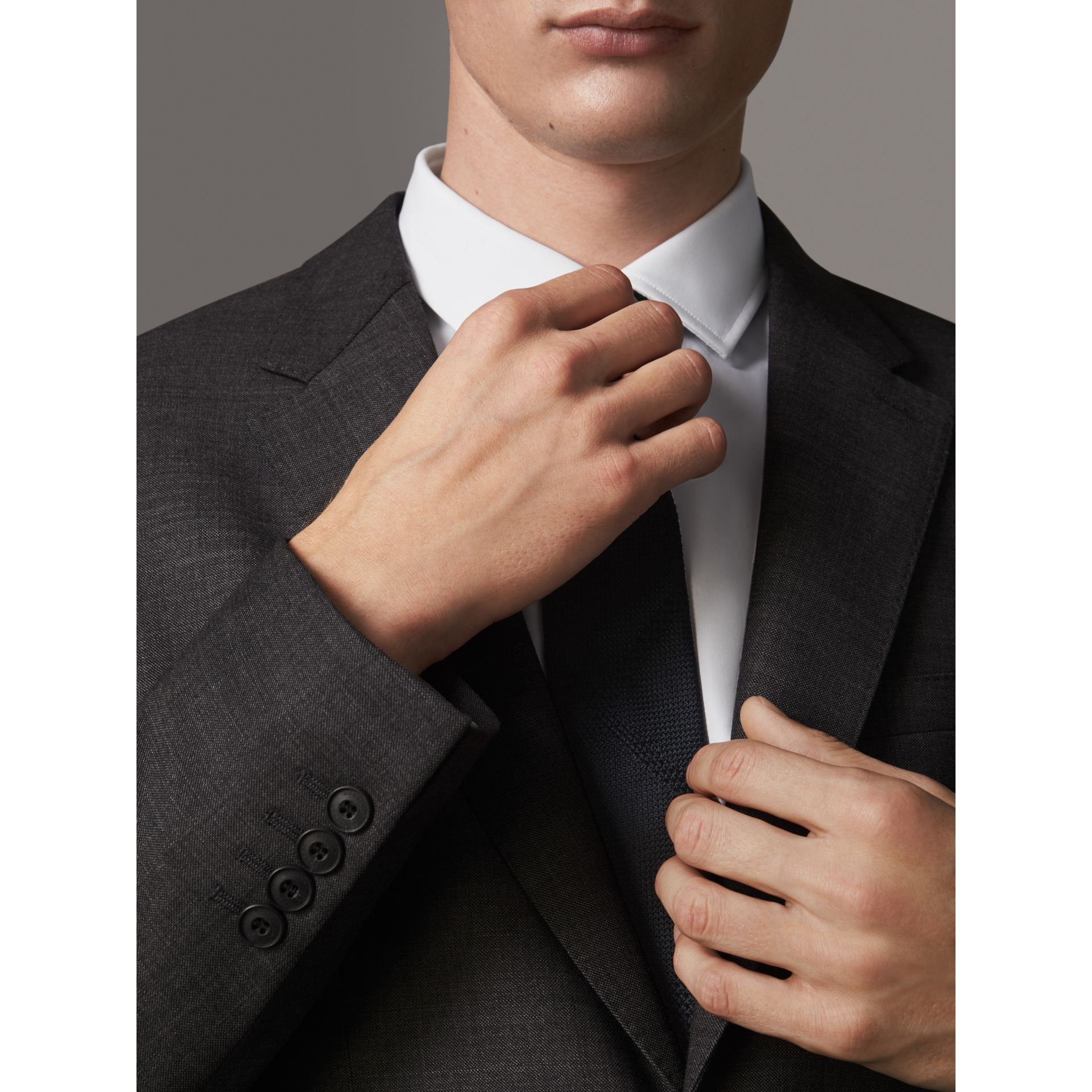 Modern Fit Travel Tailoring Virgin Wool Suit in Dark Grey Melange - Men | Burberry Canada - gallery image 4