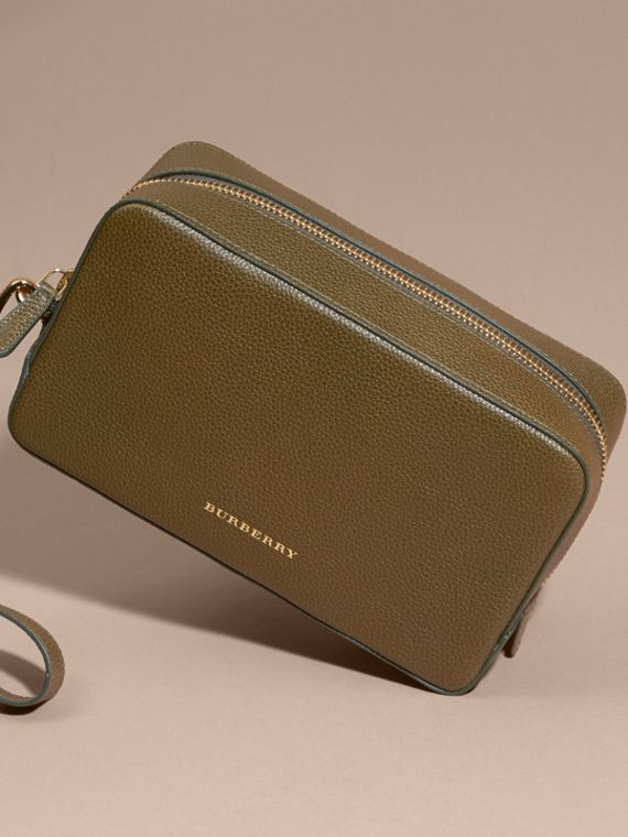 Olive green Grainy Leather Washbag Olive Green - cell image 3