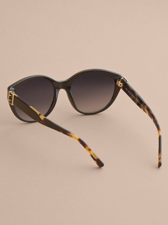 Buckle Detail Round Frame Sunglasses in Black - Women | Burberry Australia - cell image 3