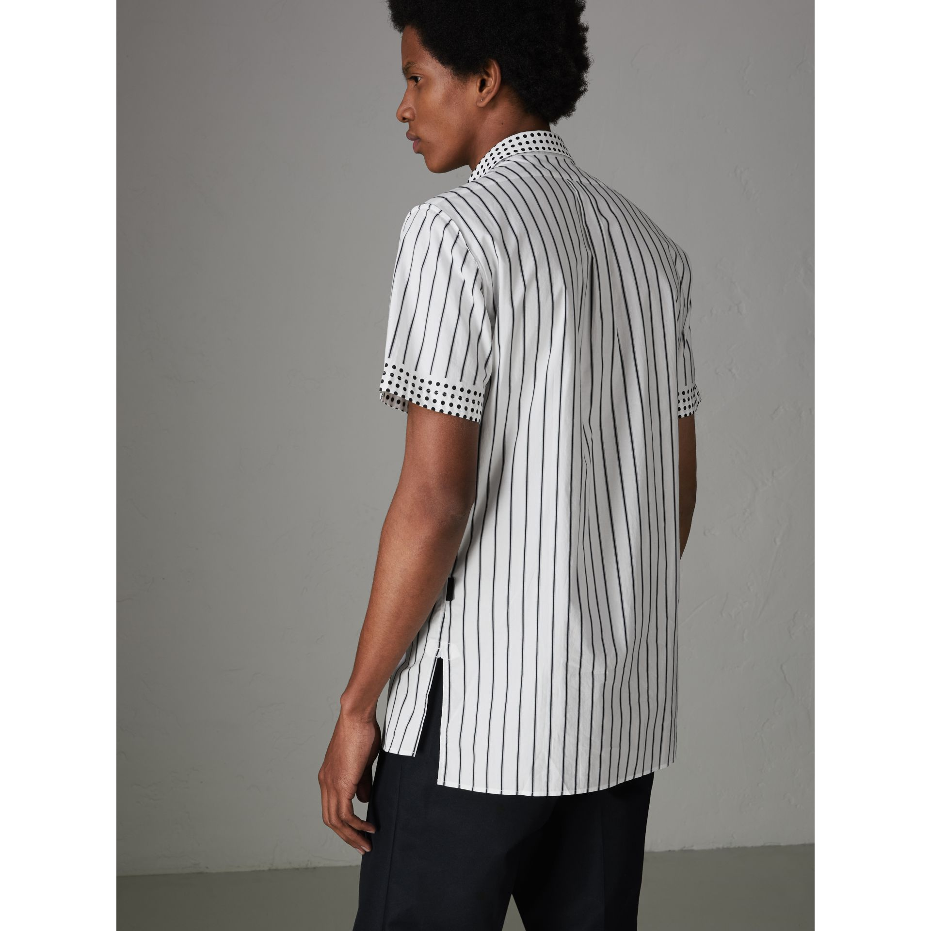 Short-sleeve Stripe and Spot Print Cotton Shirt in Black - Men | Burberry United Kingdom - gallery image 2