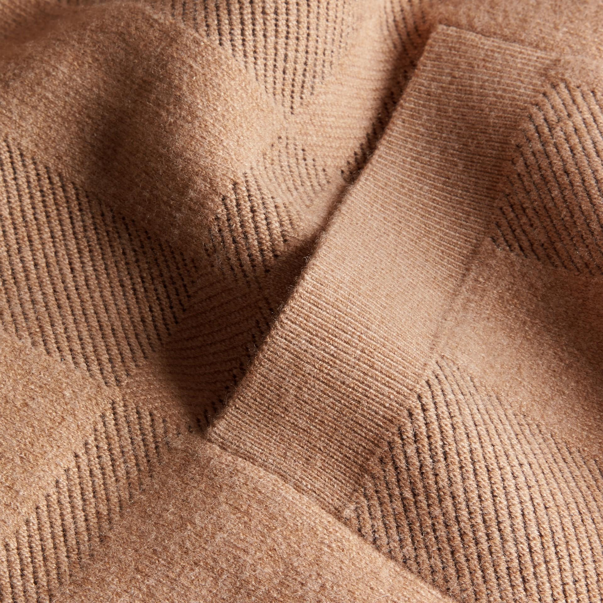 Miel Veste en maille de laine et cachemire à motif check - photo de la galerie 2