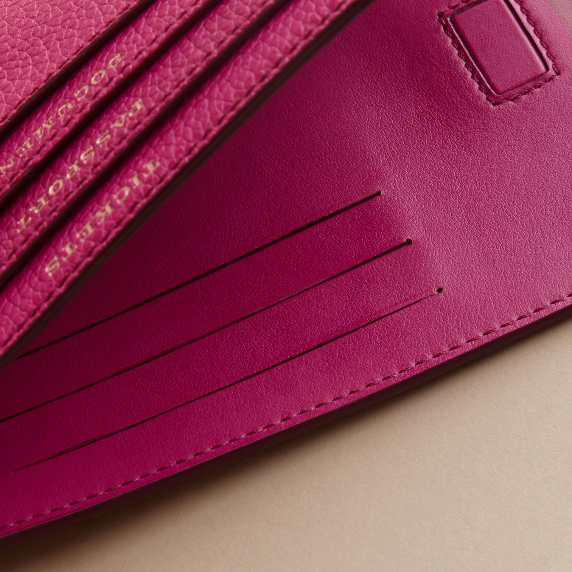 Grainy Leather Travel Case in Brilliant Fuchsia - Women | Burberry Hong Kong - gallery image 4
