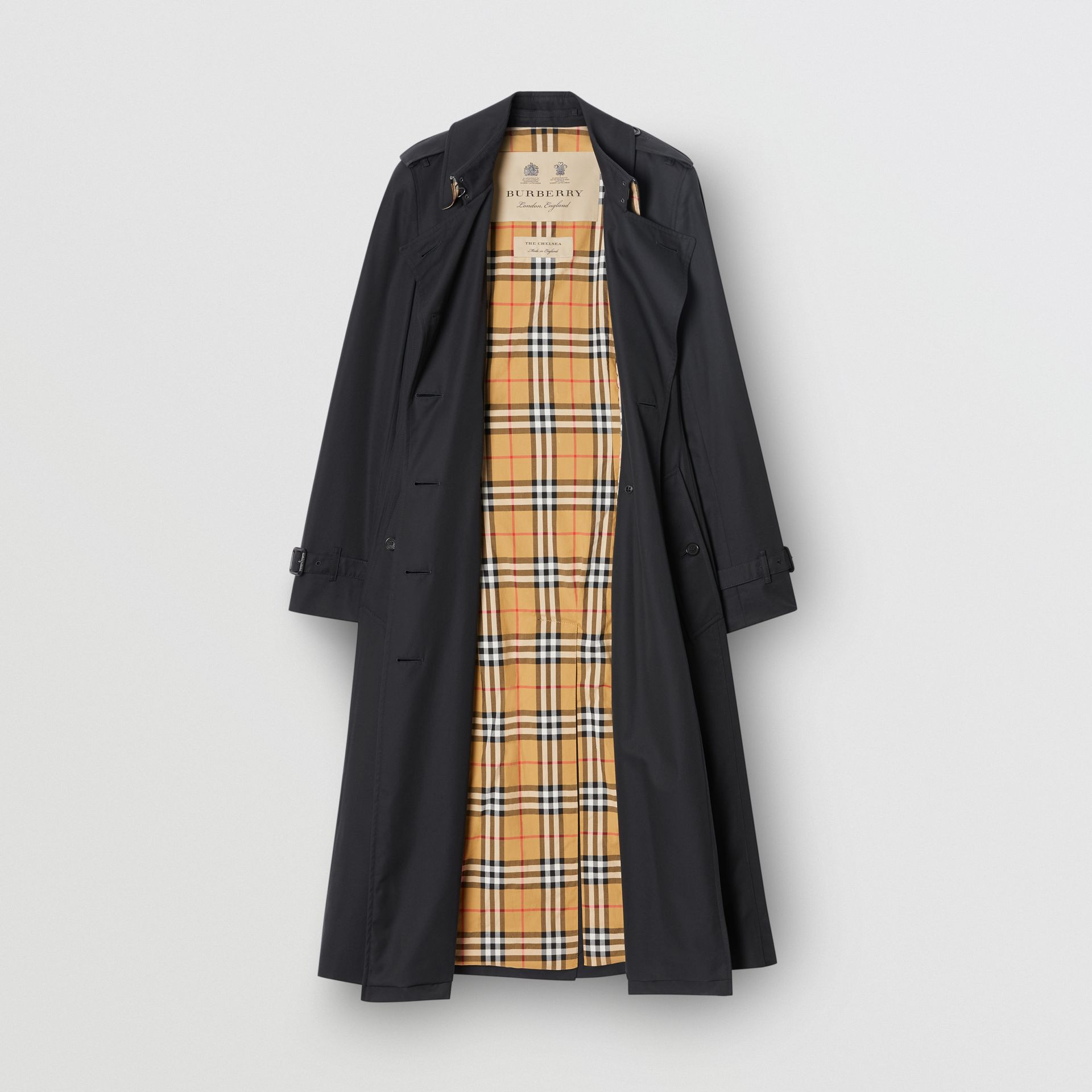 The Long Chelsea Heritage Trench Coat in Midnight - Women | Burberry United States - gallery image 3