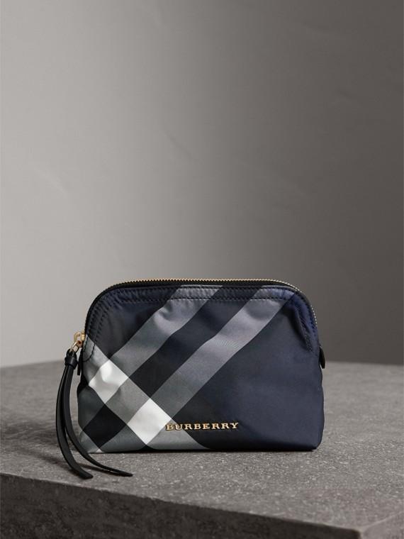 Pochette medium zippée en tissu technique à motif check (Bleu Indigo)