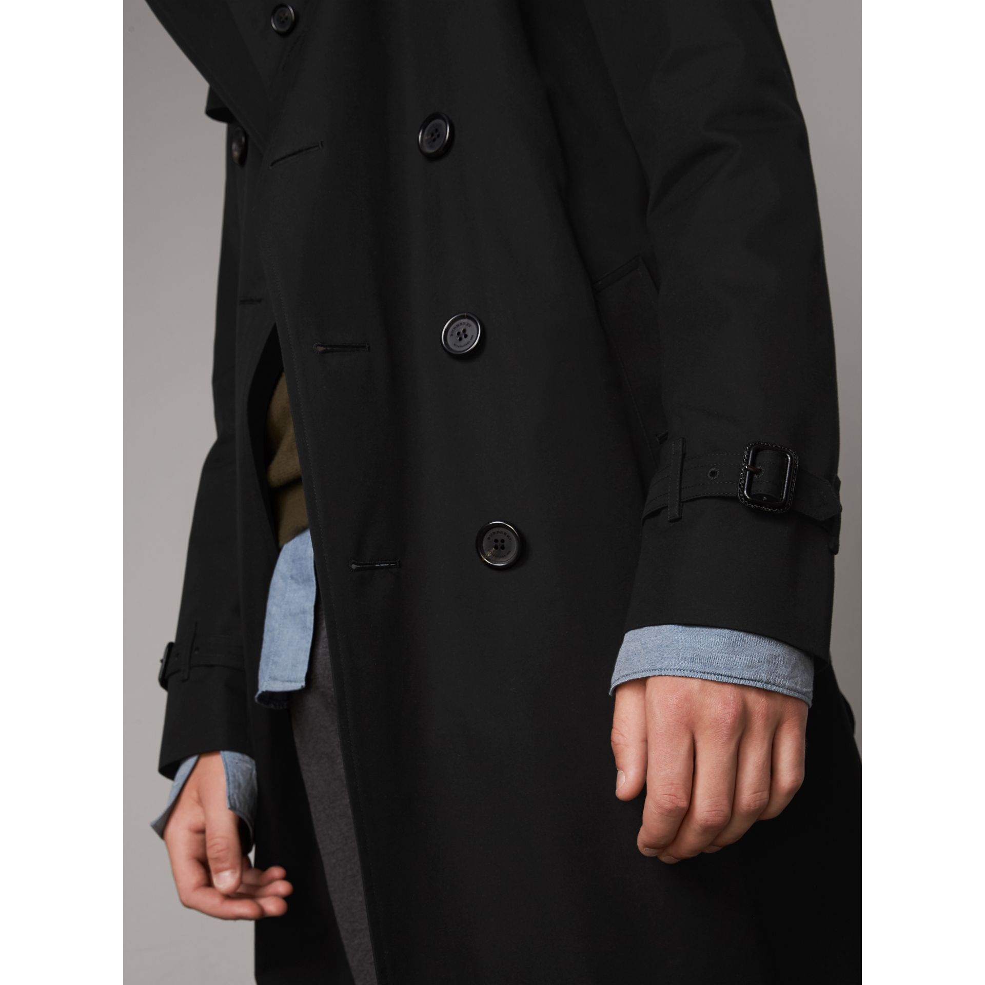 The Kensington – Long Trench Coat in Black - Men | Burberry Singapore - gallery image 4