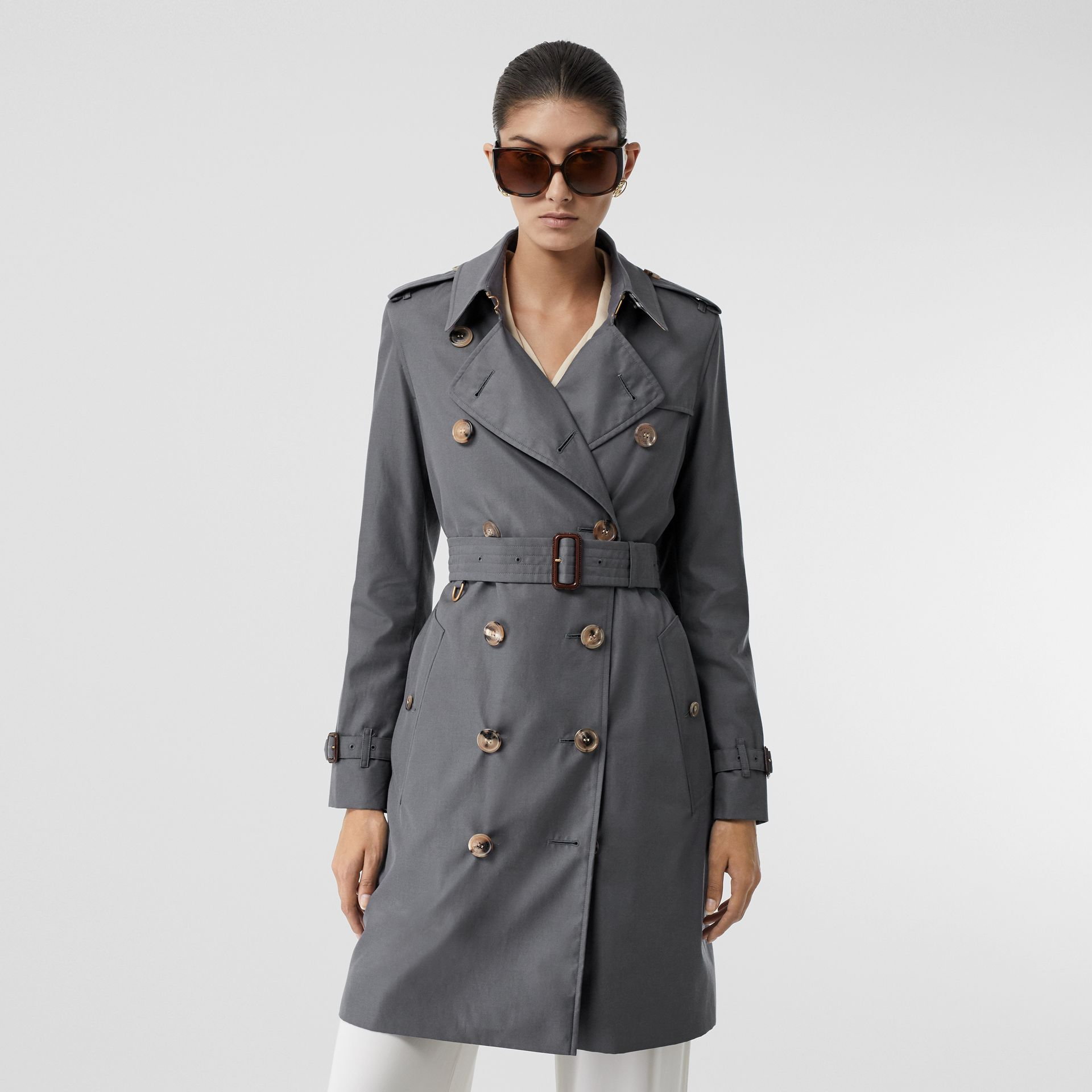 The Kensington Heritage Trench Coat in Mid Grey - Women | Burberry United Kingdom - gallery image 7