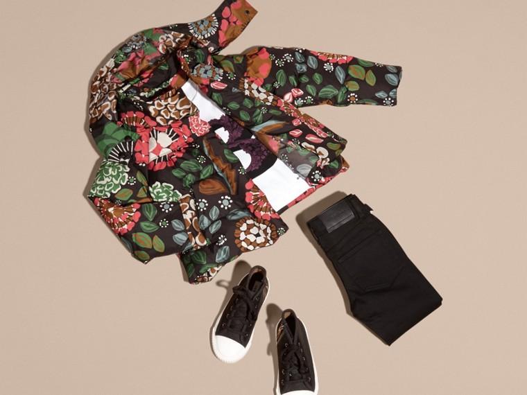 Verde salvia Piumino con stampa floreale e cappuccio packaway - cell image 4