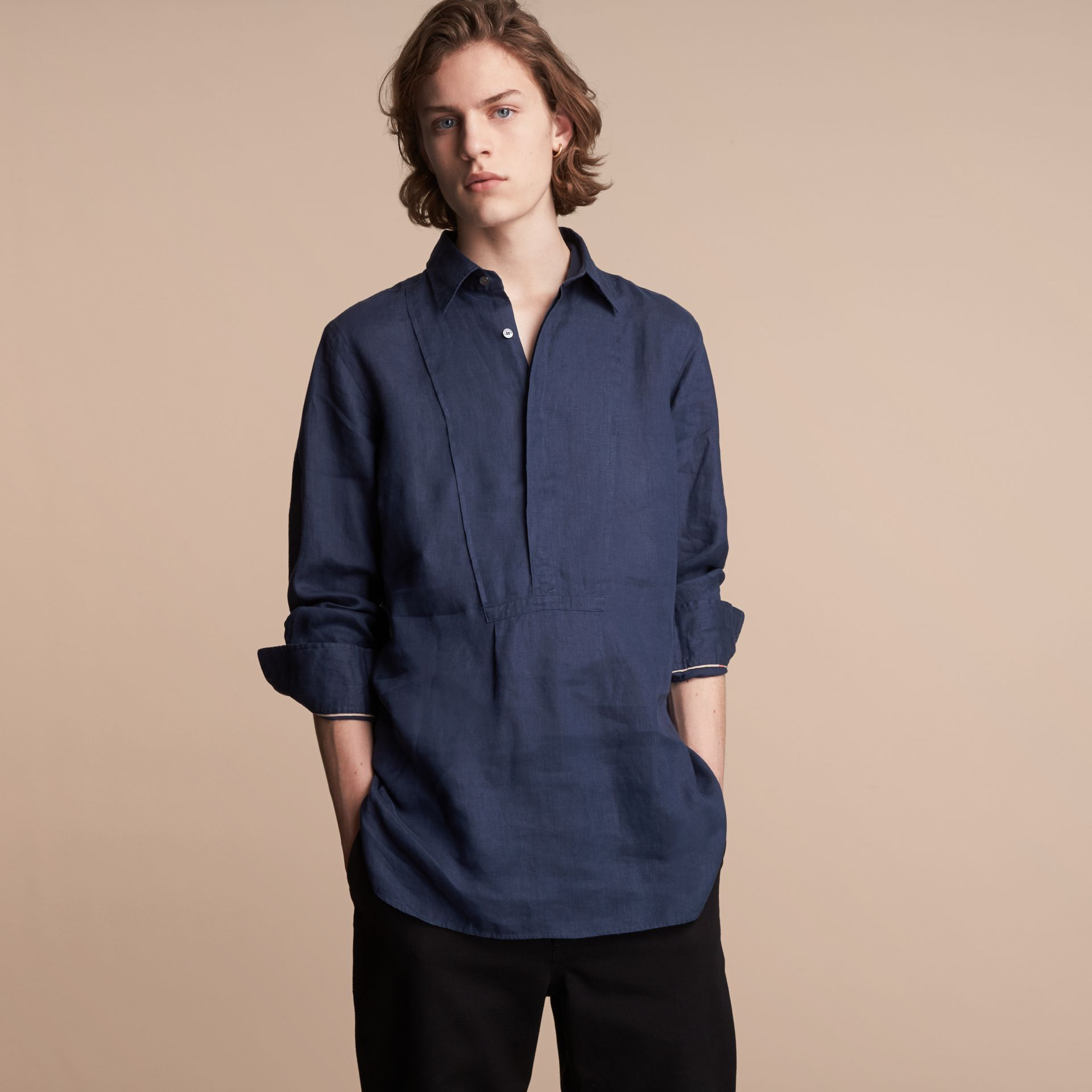 Bib Detail Linen Tunic Shirt in Navy - Men | Burberry Hong Kong - gallery image 6