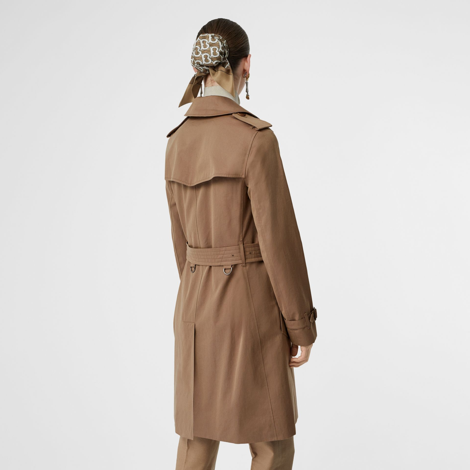 Tropical Gabardine Trench Coat in Taupe - Women | Burberry United Kingdom - gallery image 2