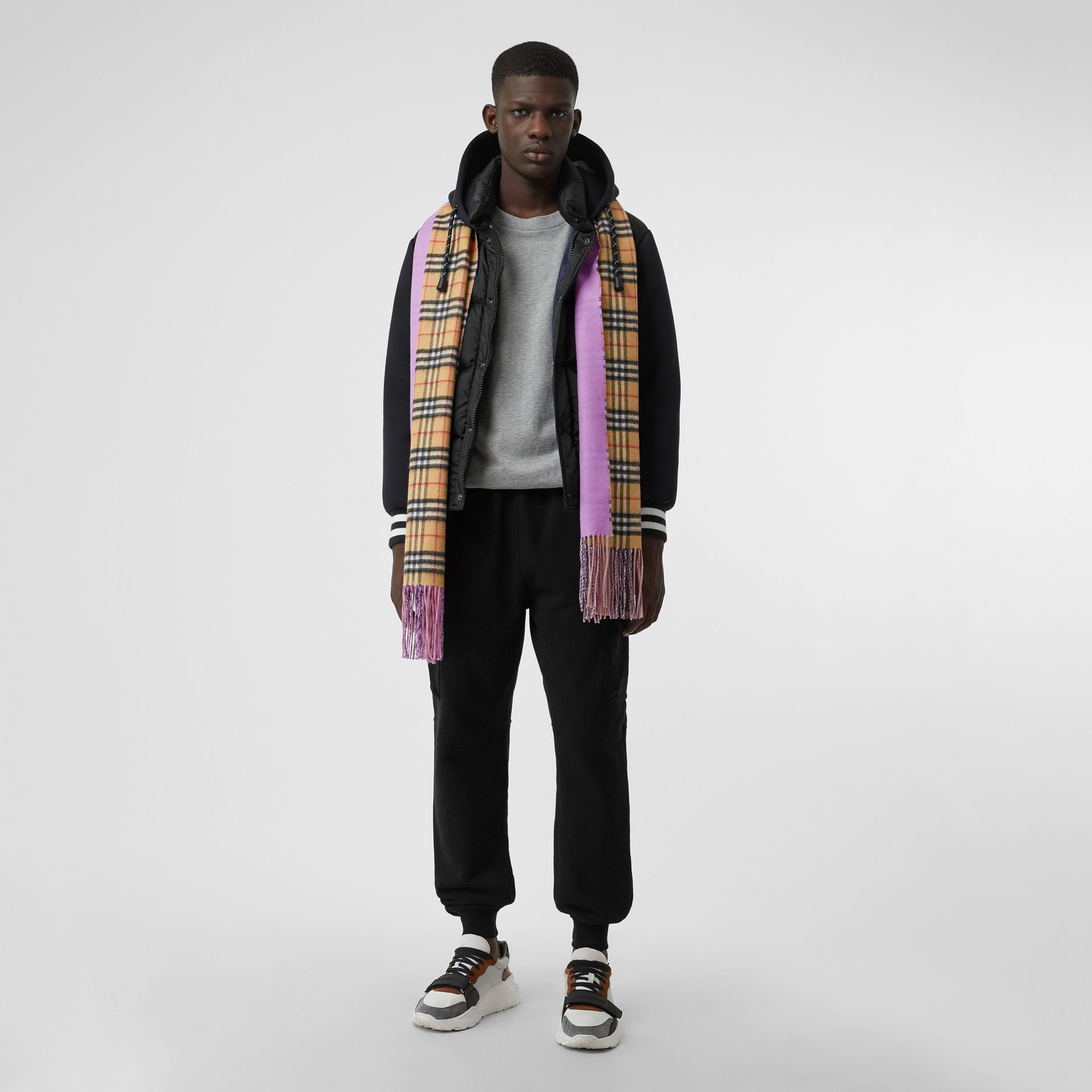 Colour Block Vintage Check Cashmere Scarf in Bright Lilac | Burberry - gallery image 3