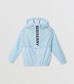 Chaqueta ligera con capucha y estampado de logotipo (Azul Claro) 53346070a2d9