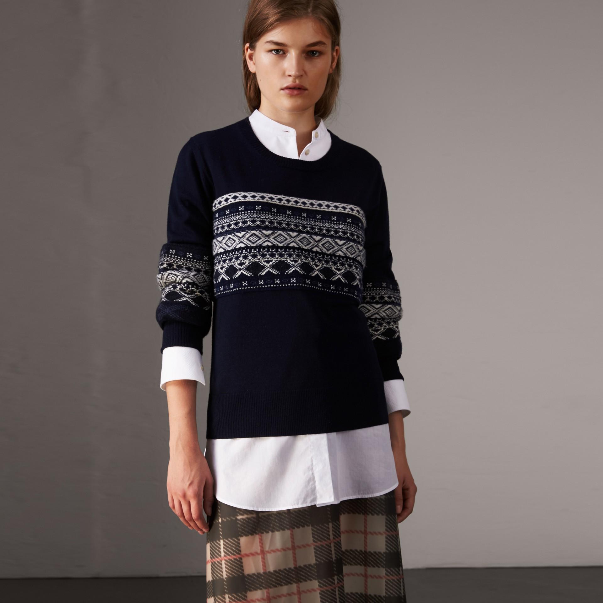 Pull en laine mérinos avec détails Fair Isle (Marine) - Femme | Burberry Canada - photo de la galerie 0