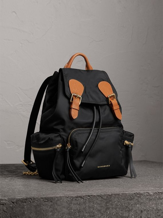 Zaino The Rucksack medio in nylon tecnico e pelle (Nero)