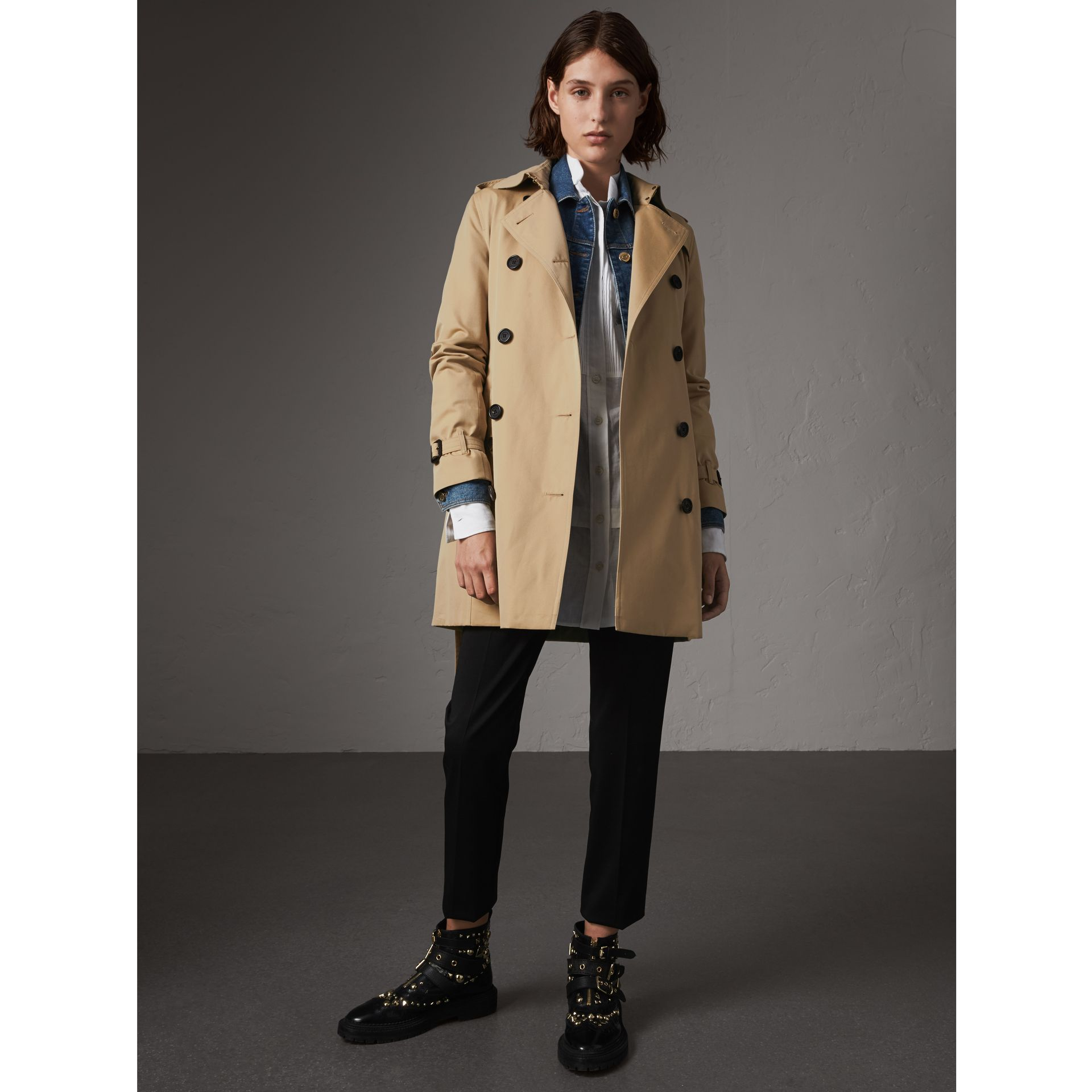 The Kensington – Mid-length Trench Coat in Honey - Women | Burberry - gallery image 1