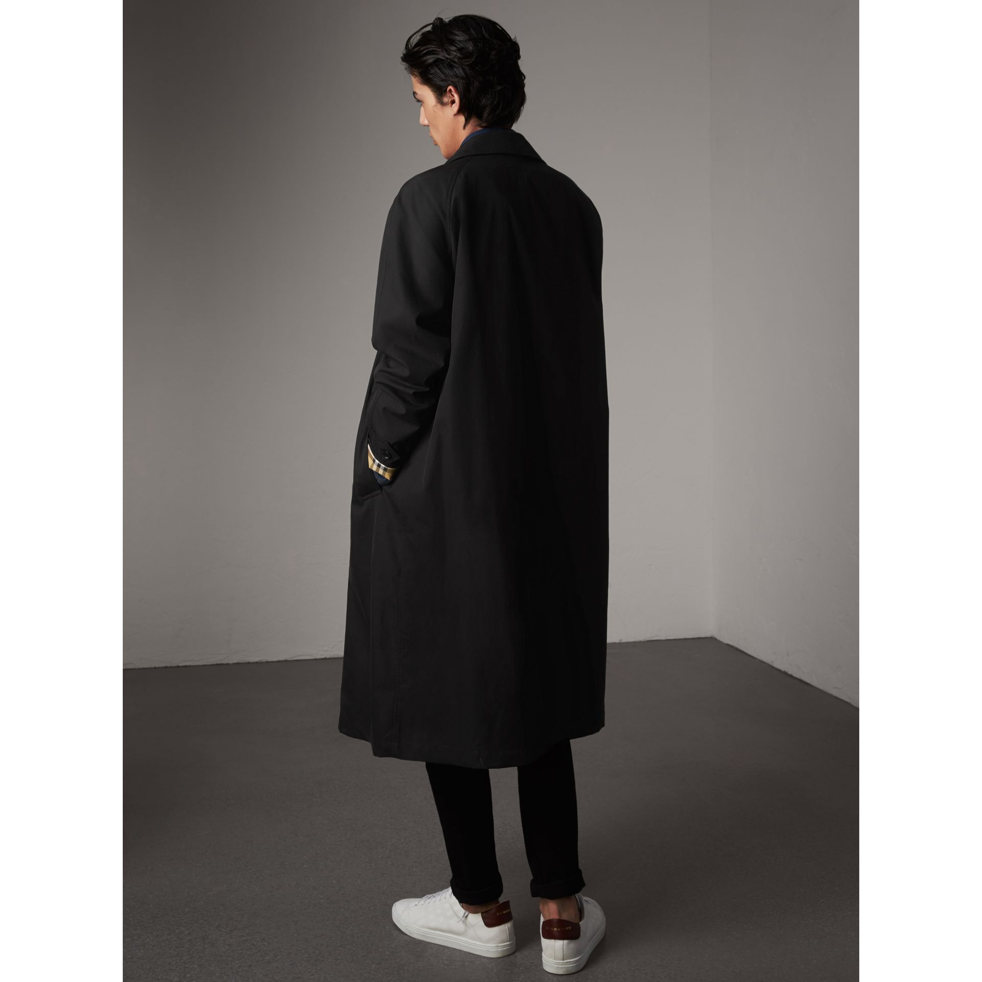 The Brighton – Car Coat extra-long – Exclusivité en ligne (Noir) - Homme | Burberry - photo de la galerie 3