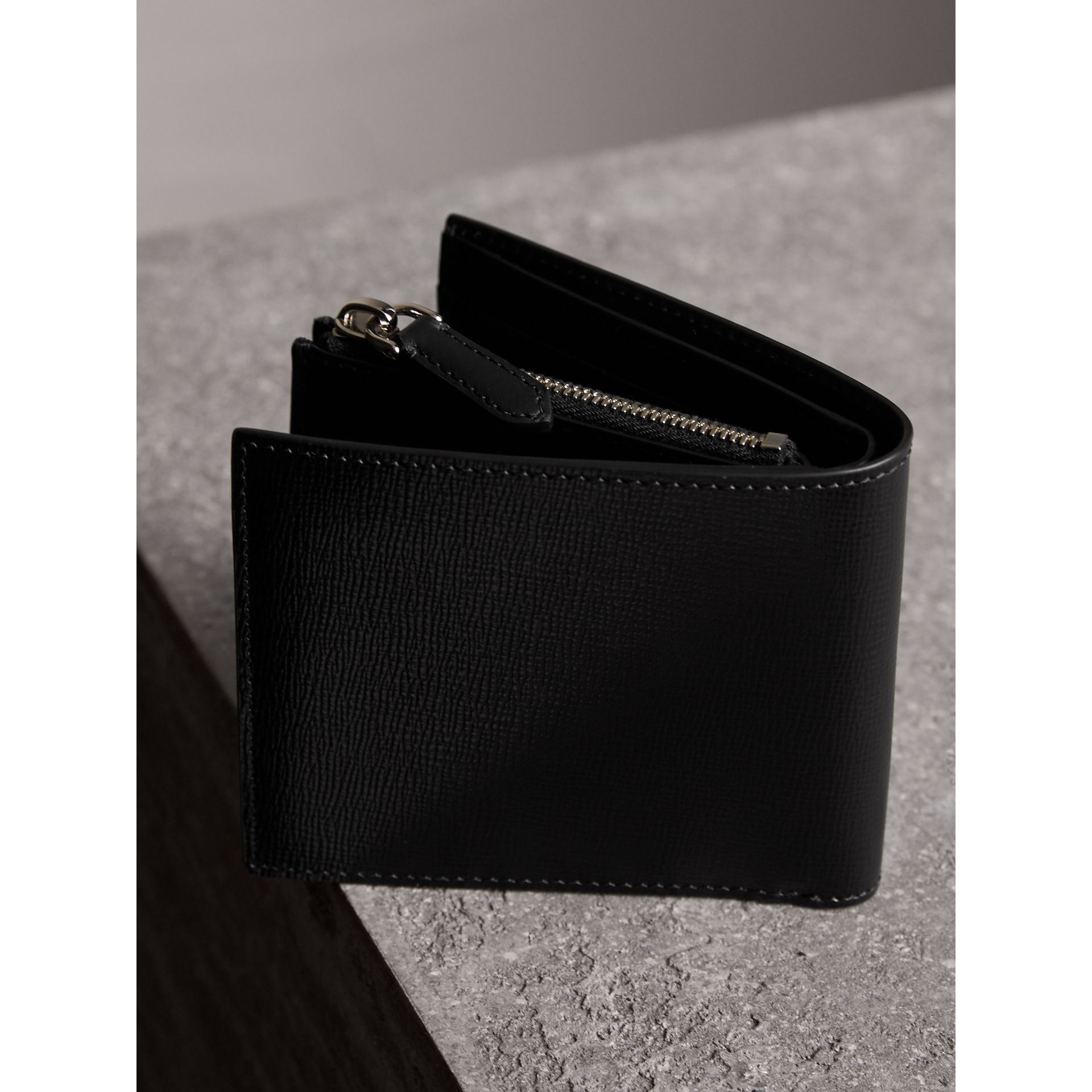 Leather International Bifold ID Coin Wallet in Black - Men | Burberry United Kingdom - gallery image 3