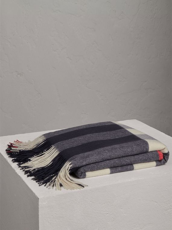 Check Cashmere Blanket in Navy