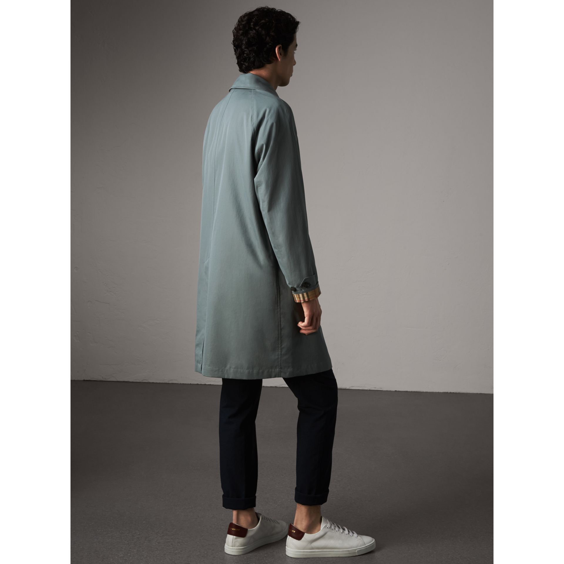 The Camden – Car Coat long (Bleu Cendré) - Homme | Burberry - photo de la galerie 3