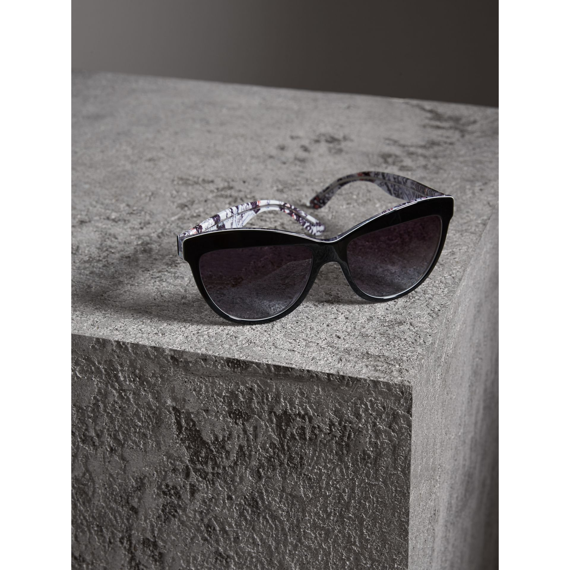 Doodle Cat-eye Frame Sunglasses in Black - Women | Burberry United States - gallery image 2