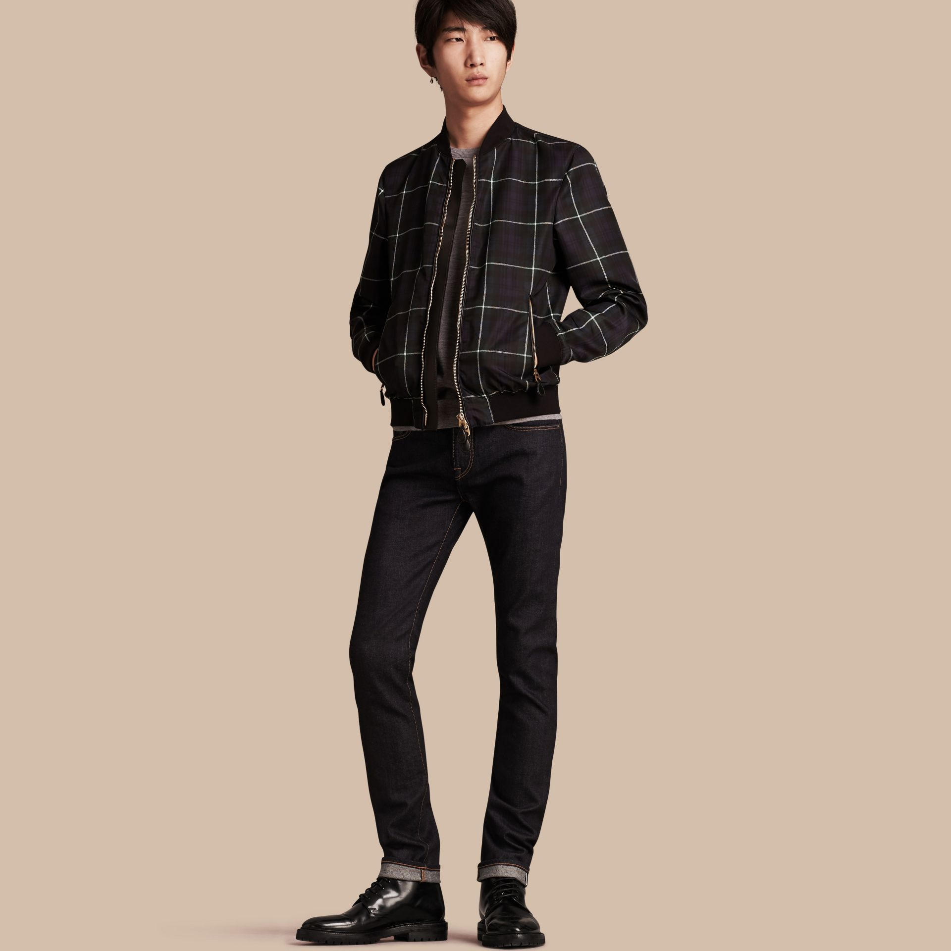 Indigo sombre Jean slim en denim selvedge japonais extensible - photo de la galerie 1