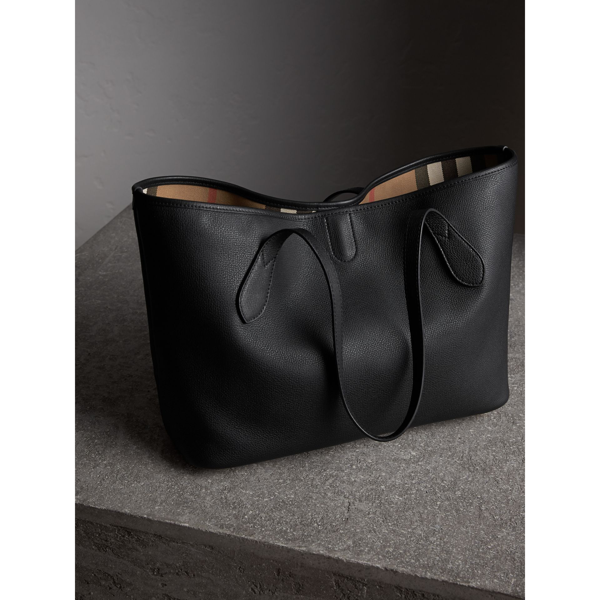 Medium Grainy Leather Tote Bag in Black - Women | Burberry Canada - gallery image 3