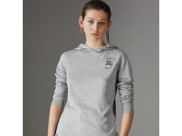 Sweat-shirt à capuche en soie et cachemire brodé (Anthracite) - Femme   Burberry Canada - cell image 4