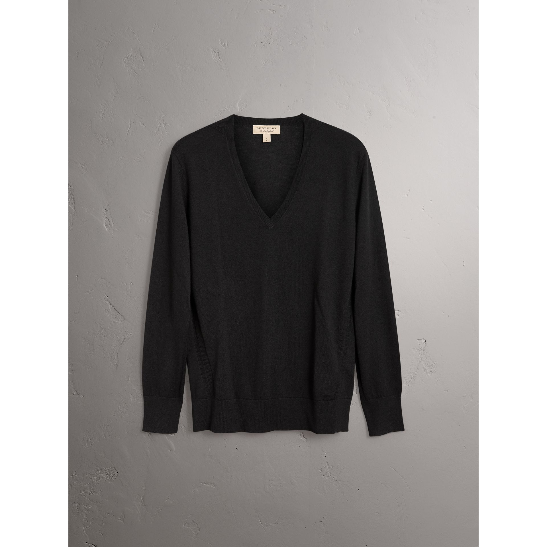 Check Detail Cashmere V-neck Sweater in Black - Women | Burberry - gallery image 3
