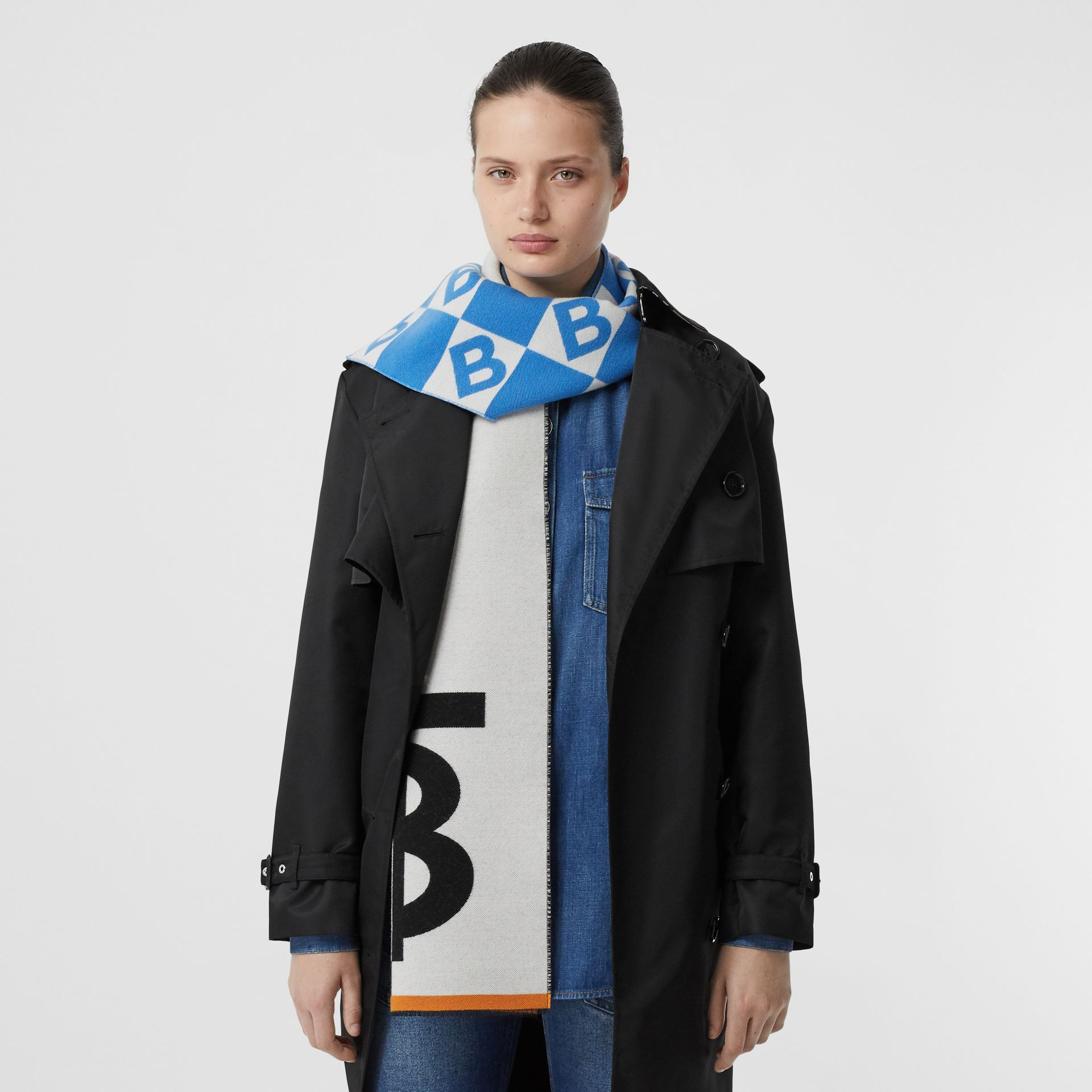 Contrast Logo Graphic Wool Silk Jacquard Scarf in Azure Blue | Burberry - gallery image 2