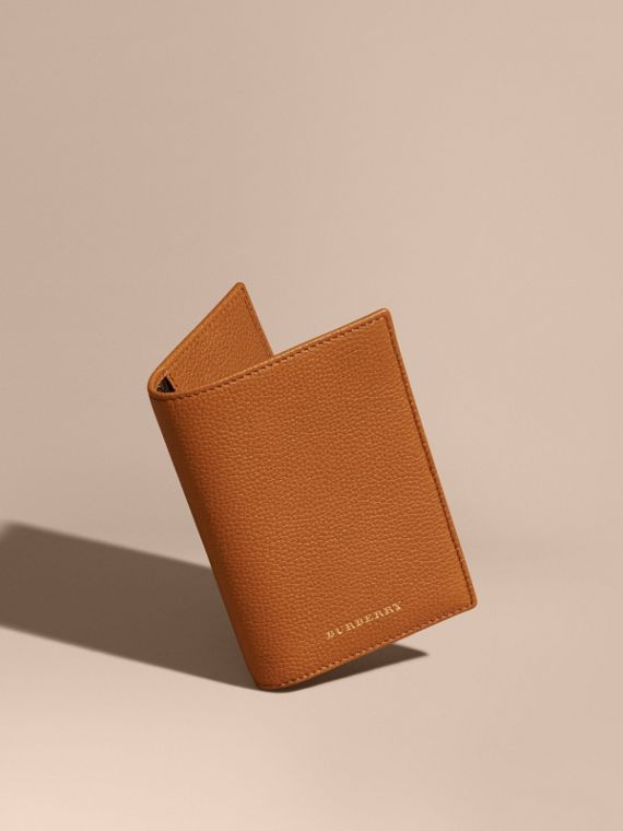 Grainy Leather Passport and Card Holder Light Toffee