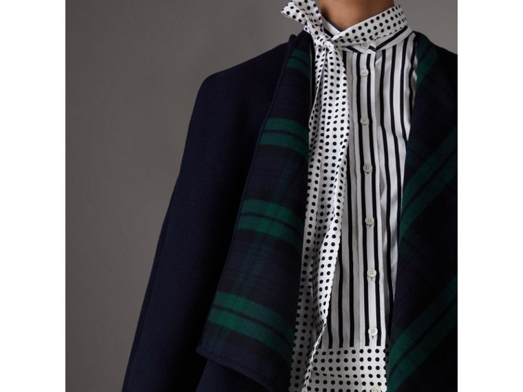 Reversible Cropped Tartan Wool Poncho in Navy | Burberry - cell image 1