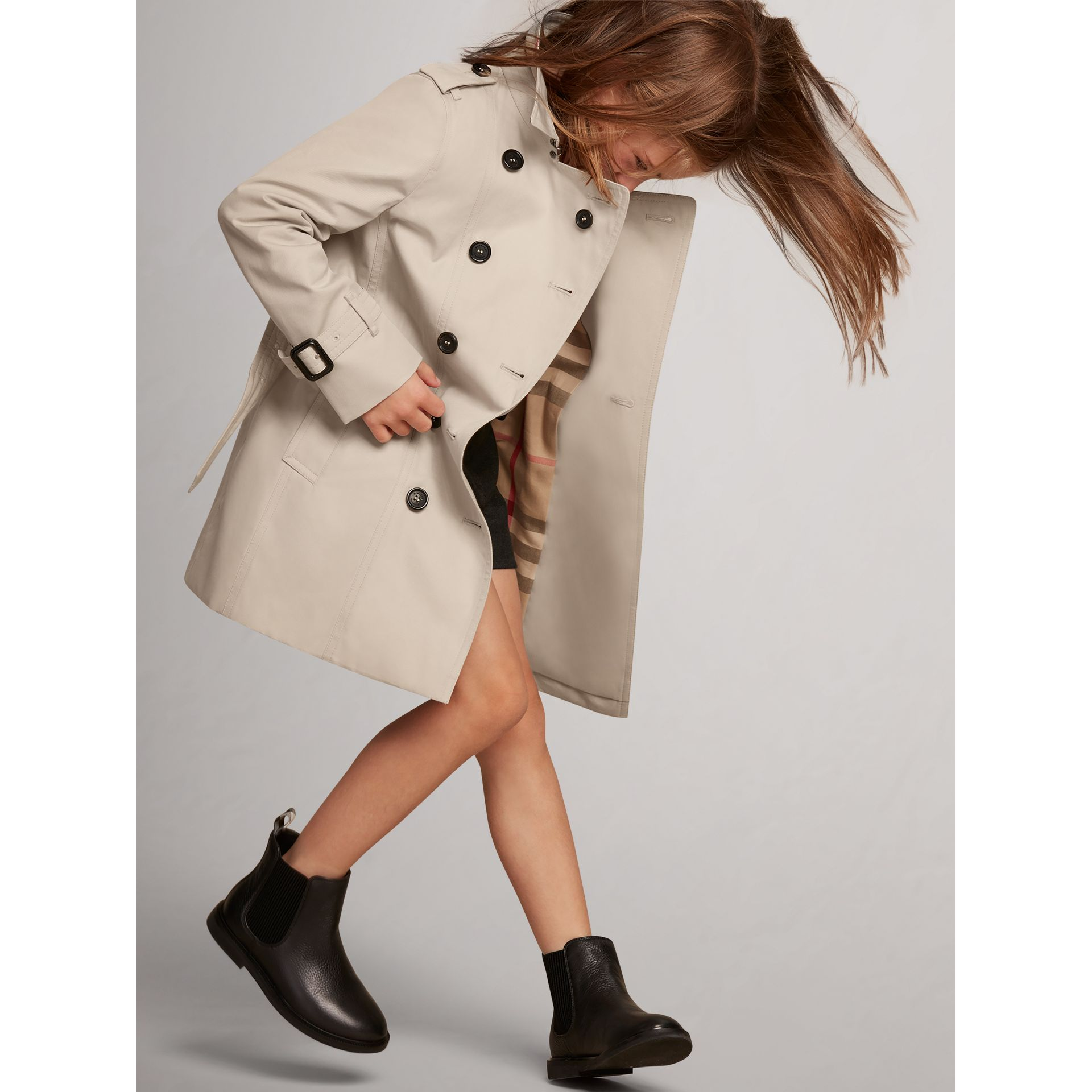 The Sandringham – Heritage Trench Coat in Stone - Girl | Burberry United States - gallery image 3