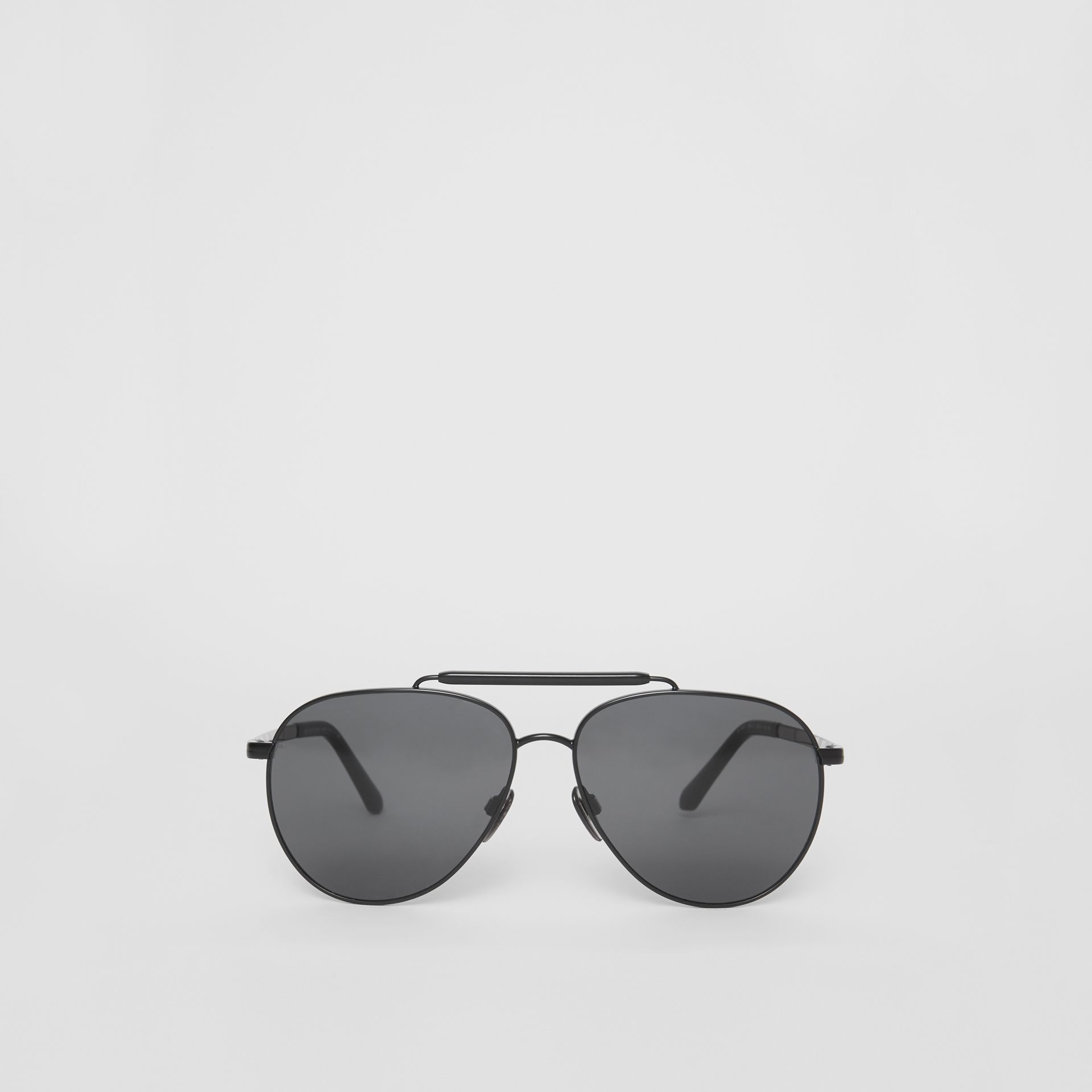 Top Bar Detail Pilot Sunglasses in Black - Men | Burberry United Kingdom - gallery image 0