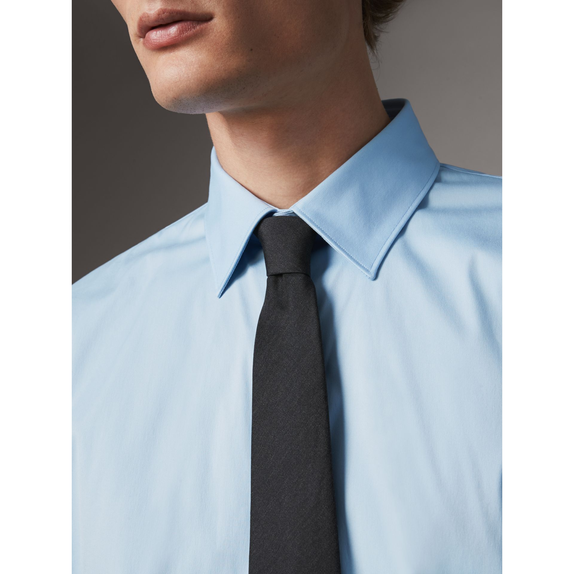 Modern Fit Stretch Cotton Shirt in City Blue - Men | Burberry Hong Kong - gallery image 5