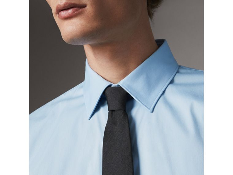 Modern Fit Stretch Cotton Shirt in City Blue - Men | Burberry Hong Kong - cell image 4