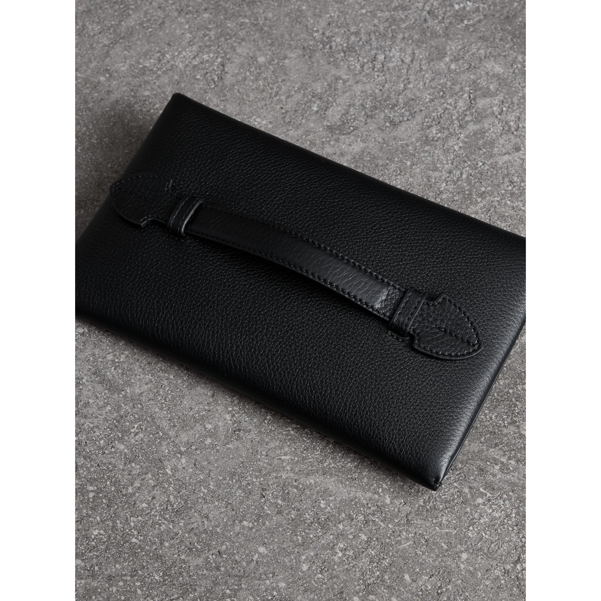 Two-tone Leather Wristlet Clutch in Black - Women | Burberry United Kingdom - gallery image 4
