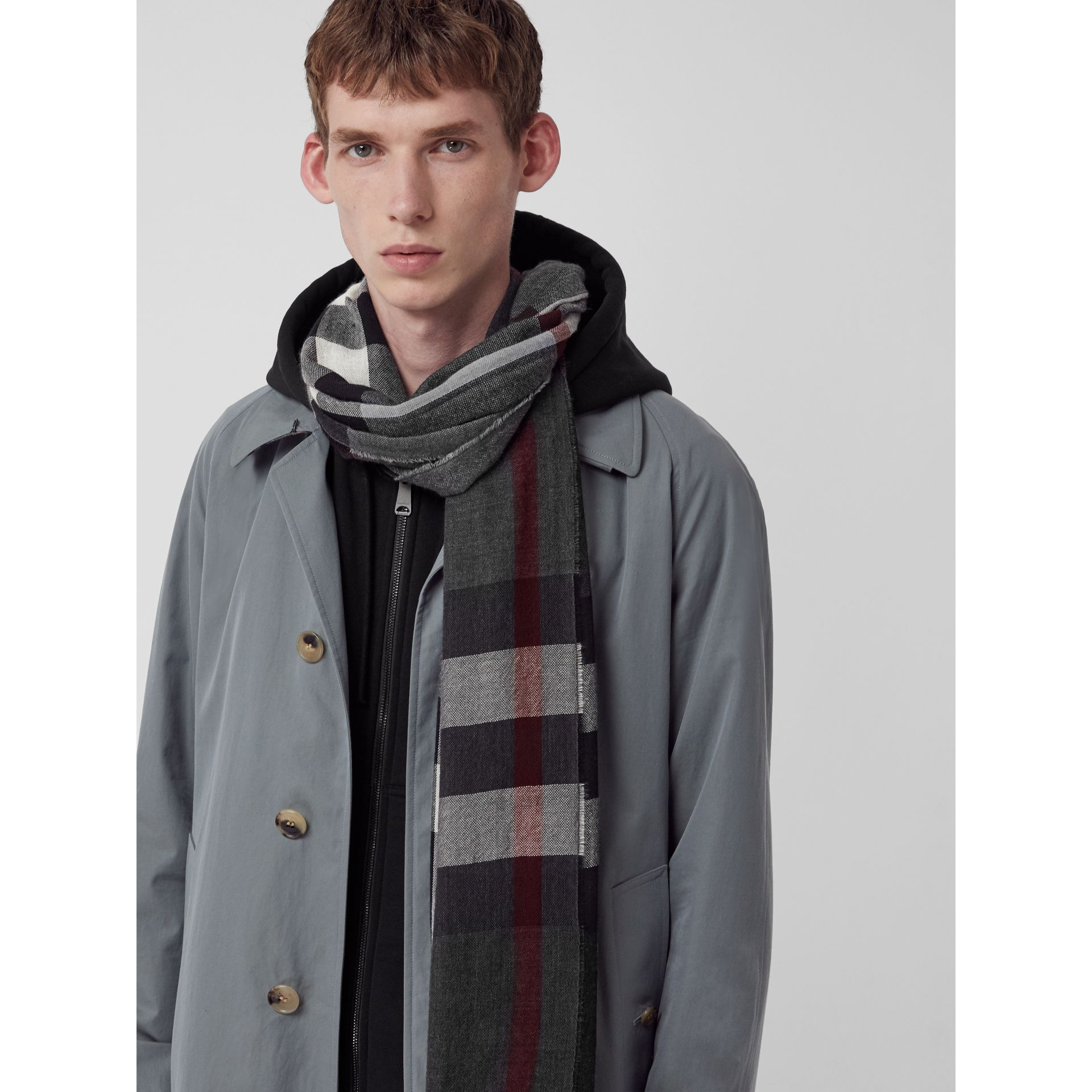 Lightweight Check Wool Cashmere Scarf in Charcoal | Burberry Canada - gallery image 6