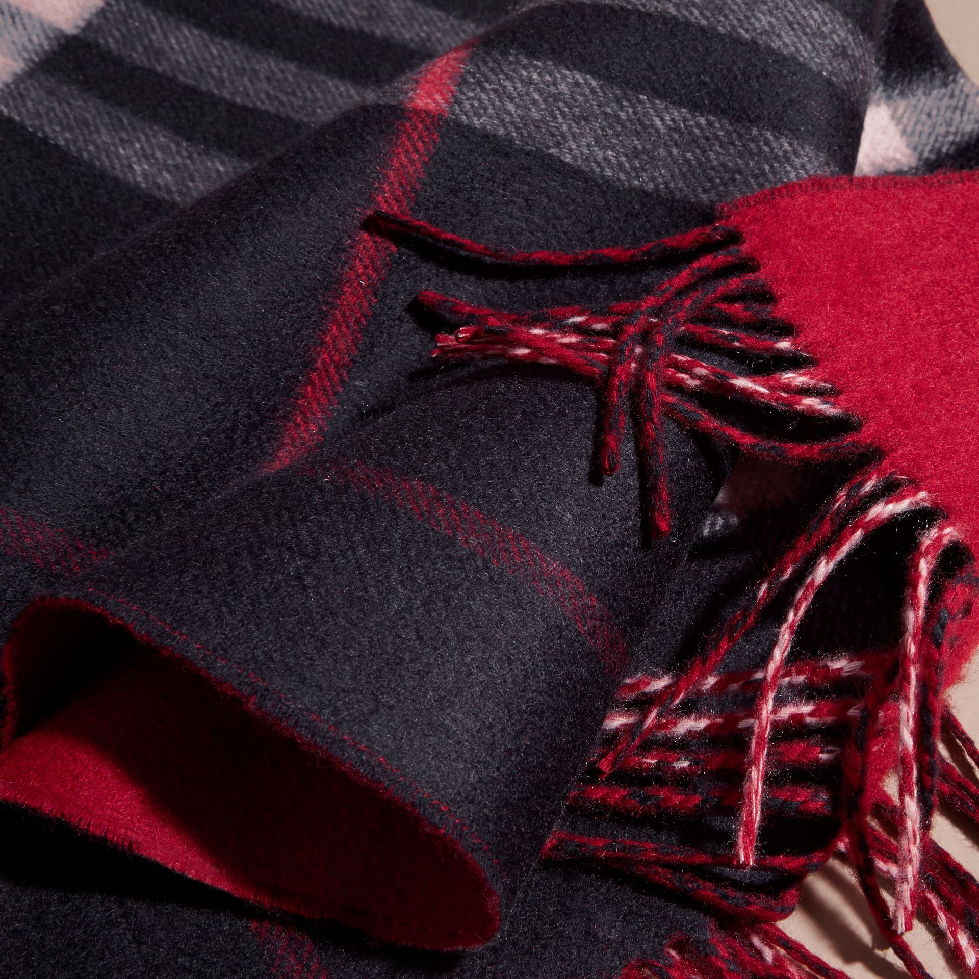 Reversible Check Cashmere and Block-colour Scarf Navy - gallery image 5