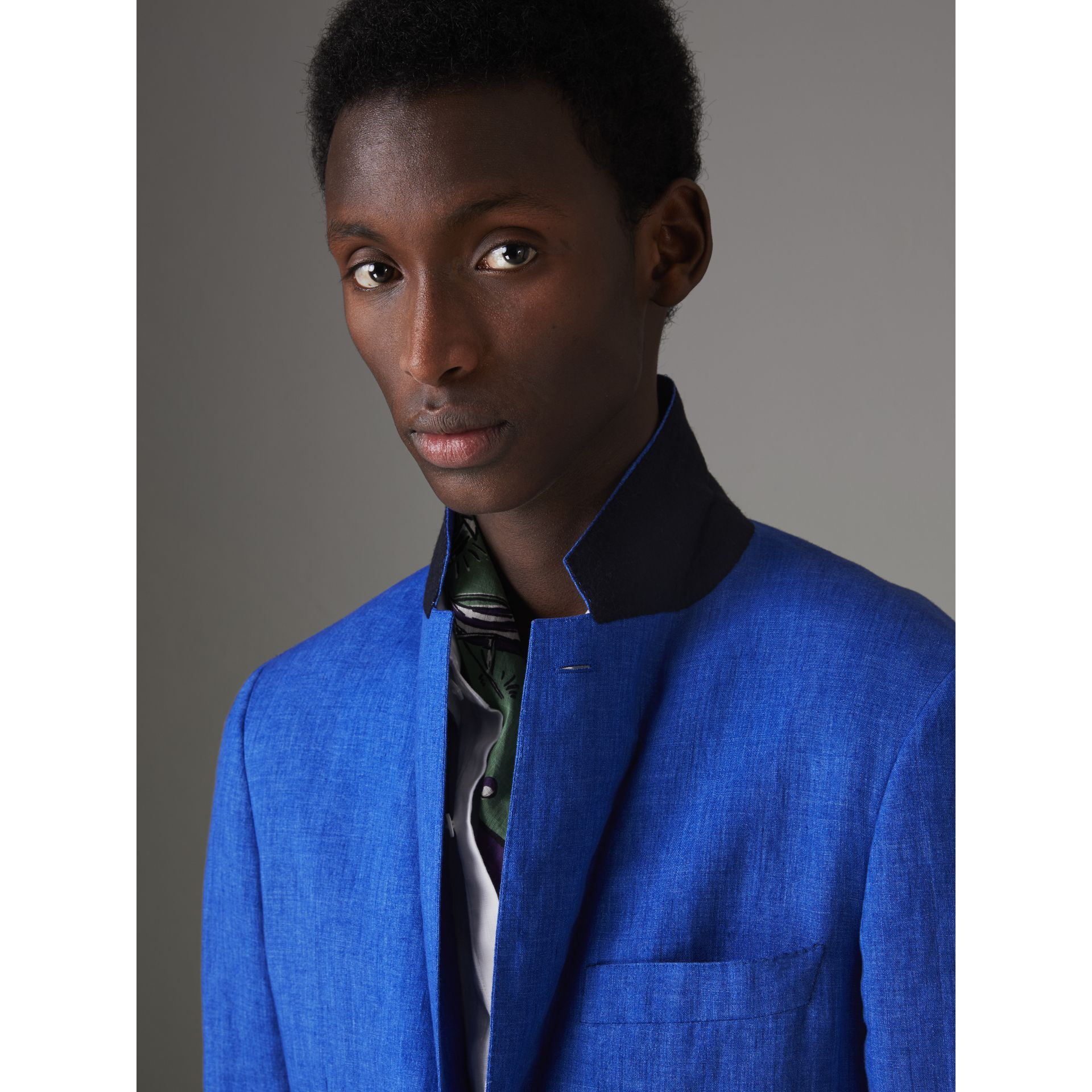 Soho Fit Linen Tailored Jacket in Violet Blue - Men | Burberry - gallery image 4