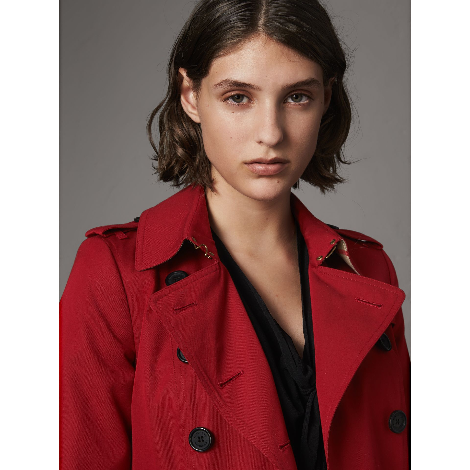 The Chelsea – Extra-long Trench Coat in Parade Red - Women | Burberry - gallery image 5