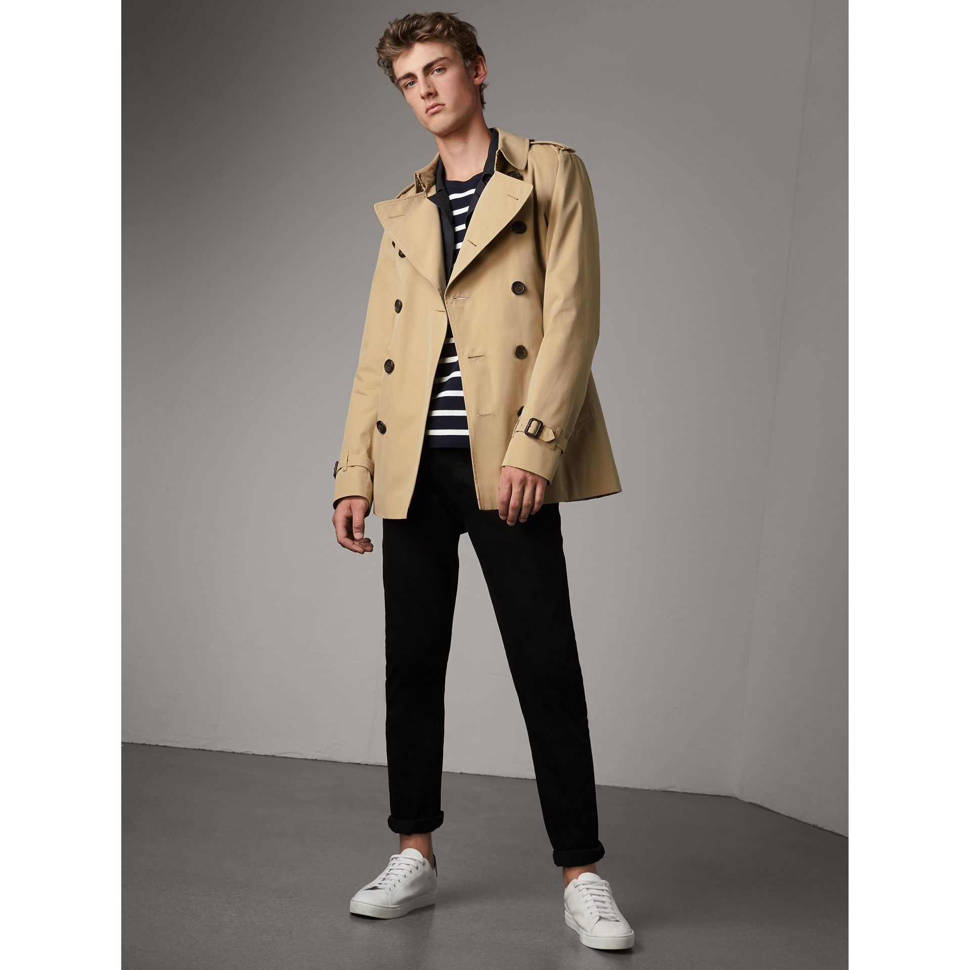 The Kensington - Trench coat Heritage corto (Miele) - Uomo | Burberry - immagine della galleria 1