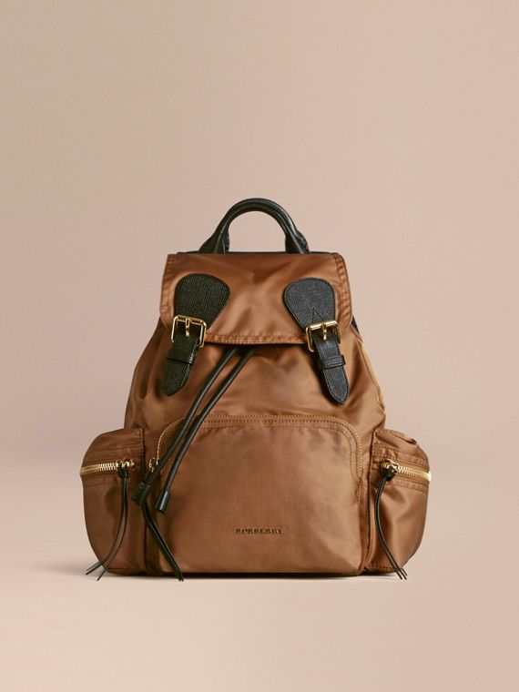 The Medium Rucksack in Technical Nylon and Leather Light Flax - cell image 2
