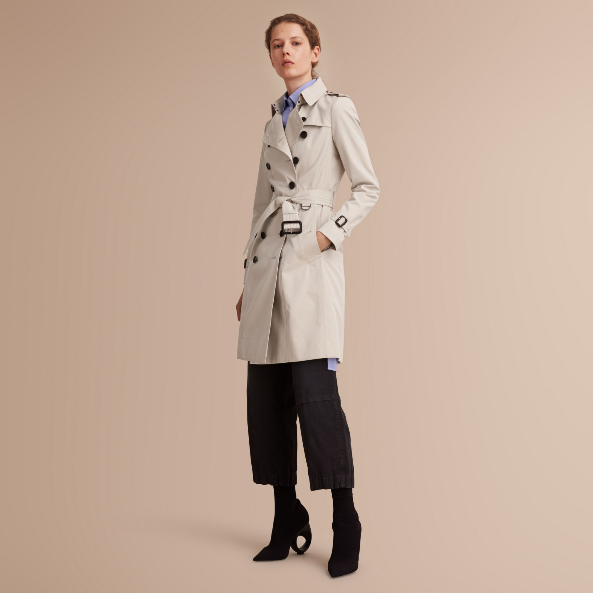 Trench coat Chelsea – Trench coat Heritage largo Piedra - imagen de la galería 6