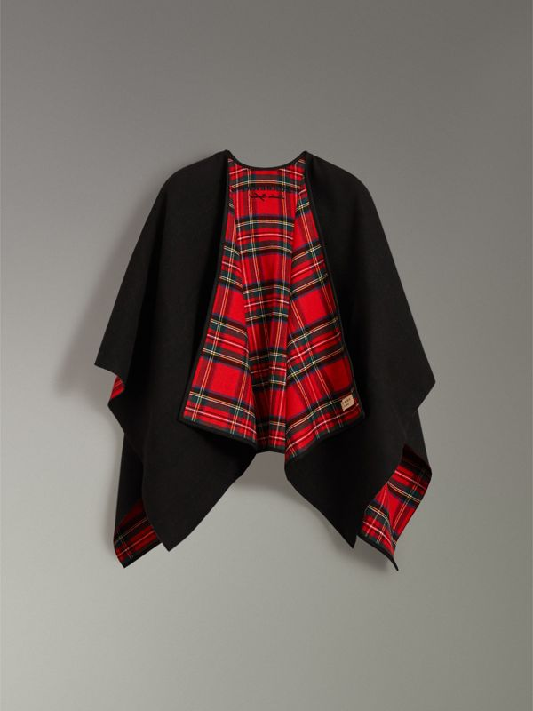 Reversible Cropped Tartan Wool Poncho in Black | Burberry United Kingdom - cell image 3