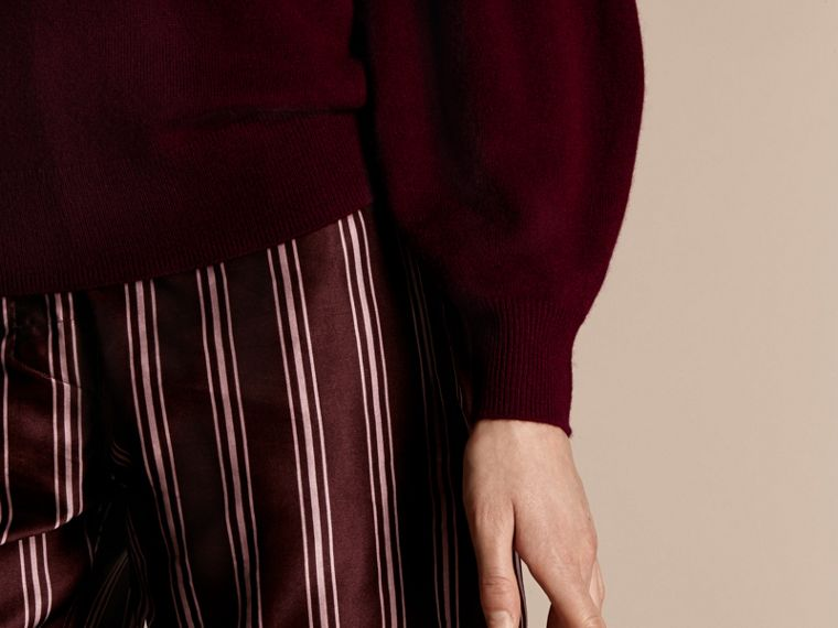 Puff-sleeved Cashmere Sweater in Burgundy - cell image 4